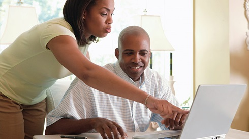 Who Does The Financial Planning? Him or Her? She or He?